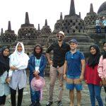 English Club SMK Muhammadiyah 2 Muntilan, Ajak Siswa Praktik Langsung di Candi Borobudur
