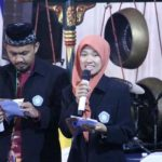 Efi Nurul Utami Kepala Sekolah Perempuan Pertama SMP Muhammadiyah Plus Gunungpring