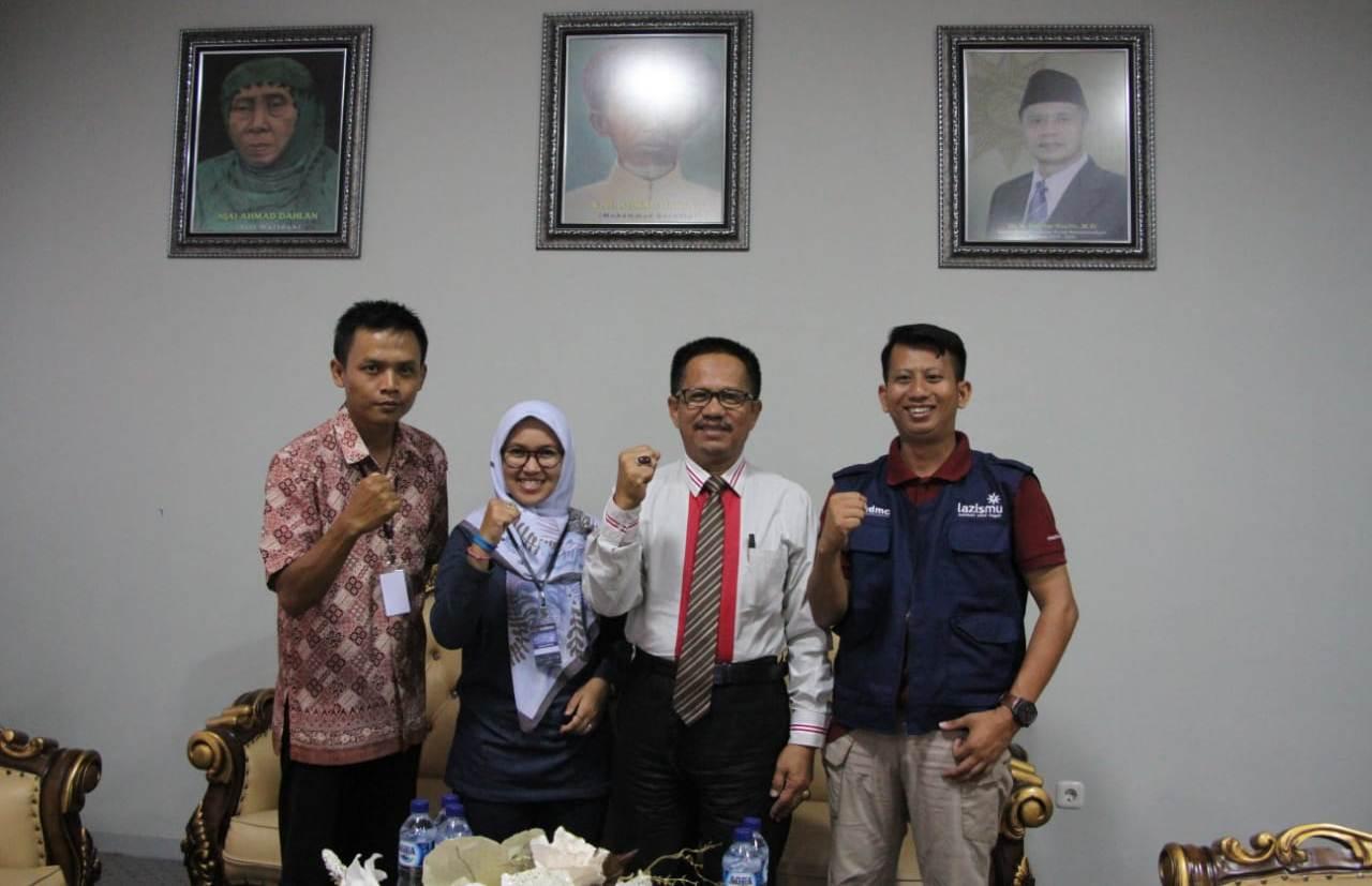 "DR. Rajindra Rum Rektor Universitas Muhammadiyah Palu : ""MDMC Luar Biasa...!!"""